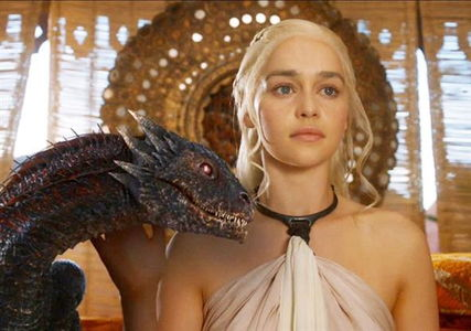 Daenerys_Targaryen_with_Dragon-Emilia_Clarke